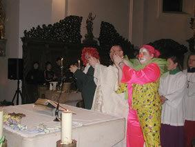 Sacrosanctum Concilium cambio la 'misa' a una misa de payasos