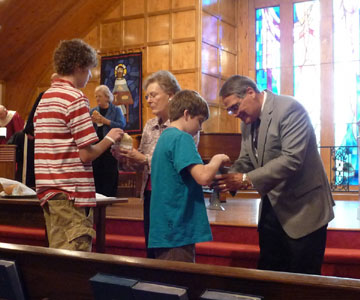 La 'comunión' en la mano después del Vaticano II Vaticano II