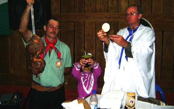 Sacrosanctum Concilium cambio la 'misa' a una misa de pollo gaucho