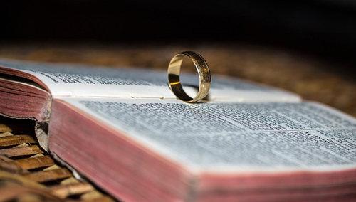La Biblia enseña la indisolubilidad matrimonial
