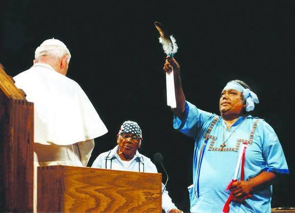 Anti Papa Juan Pablo II rito pagano indio americano