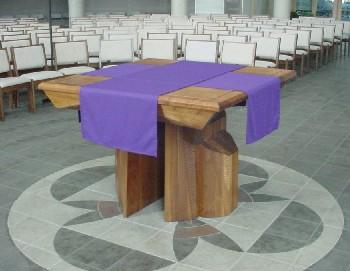 Mesa protestante en la nueva misa