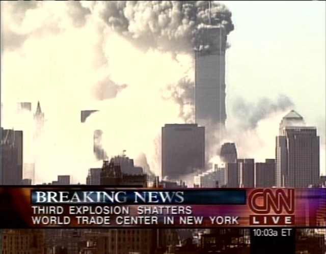 CNN 10.03 Último minuto - Tercera explosión destruye el World Trade Center