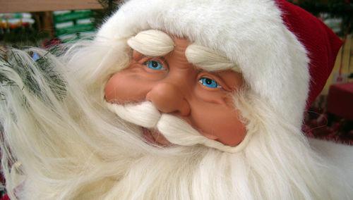 Santa Claus quiere reemplazar al Niño Dios en Navidad