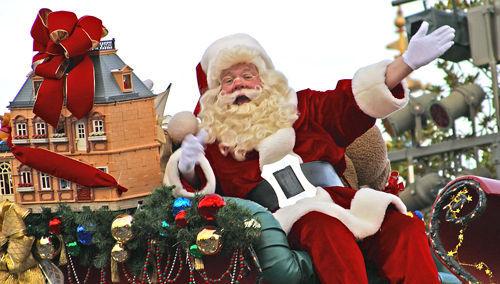 Santa Claus llegó a la ciudad es una canción anticristiana