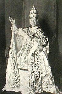 Papa León XIII aprobó el Catecismo Romano o Catecismo de Trento