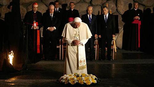 """Anti-Papa Benedicto XVI Yad Vashem """"Holocausto"""""""