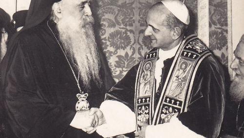 Anti-Papa Pablo VI saludo masónico con Atenágoras I en 1964